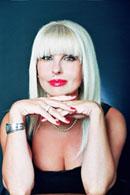Светлана Петрушић / Svetlana Petrušić – је доктор политичких наука, новинар, аутор ексклузивних интервјуа, политички аналитичар, публициста, аутор ТВ серије о Косову и Метохији, аутор политичко-документарног филма о страдању Срба у логорима у БиХ од 1992. до 1996.